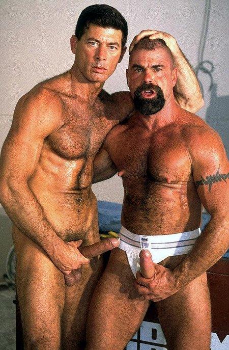 Hardcore Gay Anal Threesome01